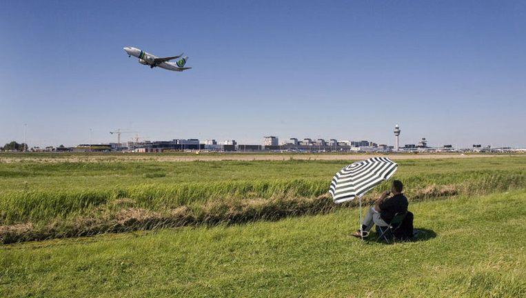 Schiphol beperkt sinds donderdag het vliegverkeer op de Kaagbaan (foto) omdat het geluidsquotum voor dit jaar 'vol' is. Foto ANP Beeld