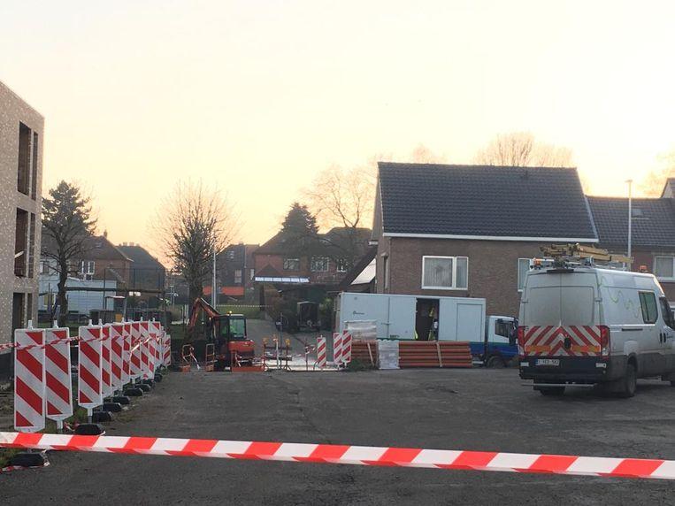 De gasleiding werd geraakt tijdens de wegen- en rioleringswerken in de Kapelstraat.