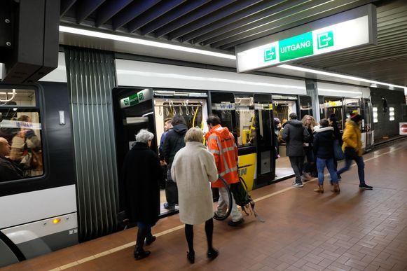 Er wordt onderzocht of in de toekomst meerdere trams tegelijk kunnen stoppen aan de ondergrondse haltes.