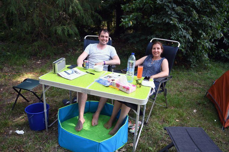 Jasper Snoeck en Eveline Vanacker als een van de eerste festivalkampeerders