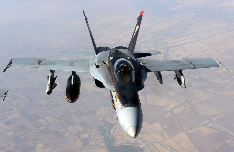 Een F-18E van de Amerikaanse luchtmacht boven Irak