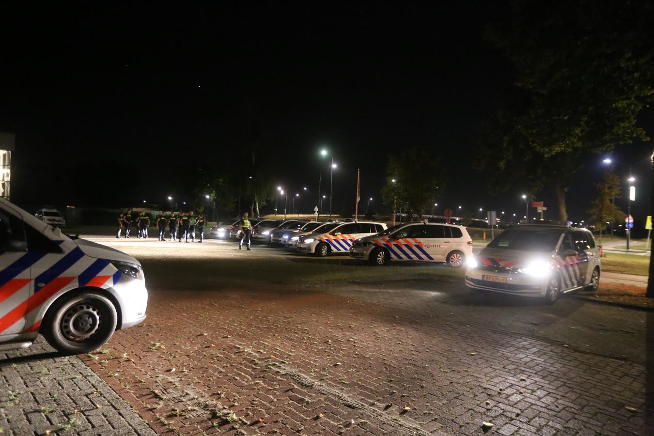 Politie rukte maandag groots uit voor vechtpartij op kermis in Rosmalen.