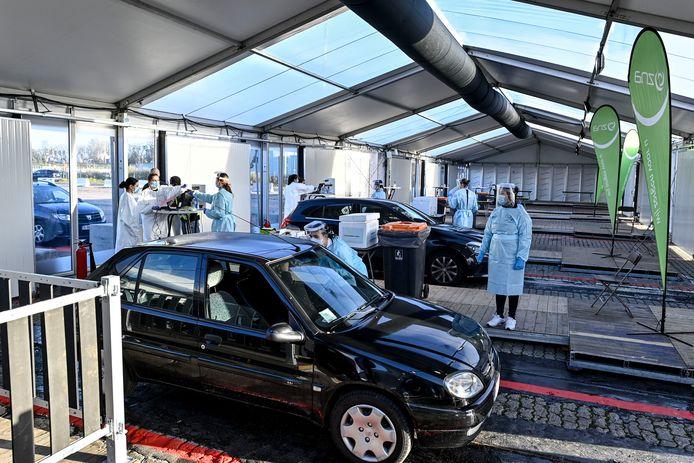 Het testdorp op Spoor Oost in Borgerhout zal vanaf februari ook een vaccinatiedorp worden