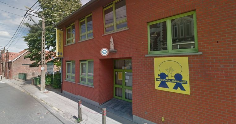 Kinderland primary school, on Sint-Anna