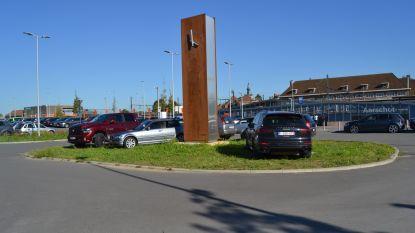 Betalend parkeren aan station uitgesteld (maar kritiek gaat niet liggen)