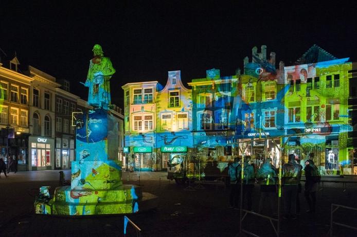 De lichtshow Bosch by Night zou voor het eerst te zien zijn op 4 maart, maar werd uitgesteld vanwege de instorting van het pand van de Pearle, op de hoek van de Markt.
