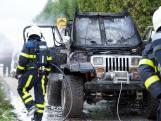 Jeep brandt volledig uit in Woensdrecht