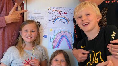 Ambassadrices SOS Kinderdorpen sluiten 'Regenboog Pact' met gezin