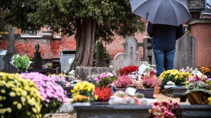 Reveil zorgt voor ingetogen moment op kerkhof