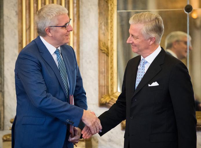 Le roi Philippe avec l'administrateur délégué de la FEB, Pieter Timmermans.