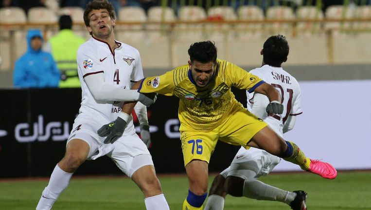 Champions League-wedstrijd tussen het Iraanse Naft Teheran en het Qatarese El Jaish. Beeld afp
