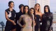 Kim Kardashian en haar zussen verrassen fans met last-minute kerstkaartje