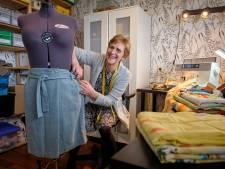 Schiedamse (56) maakt rokjes op maat in haar nieuwe  Atelier Rokjesenzo