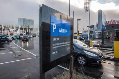 Jumbo en Aldi aan Belcrumweg: niet-klanten betalen 25 euro parkeergeld