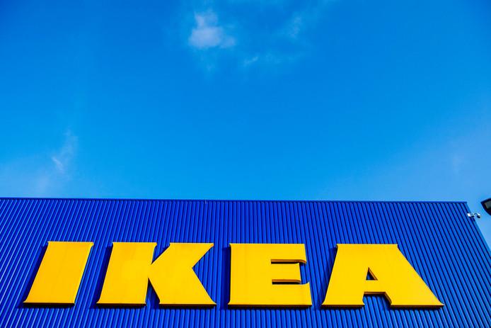 Logo van meubelgigant IKEA