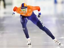 Roest verpulvert baanrecord en wint 5000 meter met straatlengte voorsprong