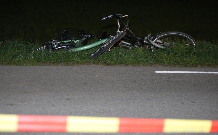 De fiets van de man in de berm bij Herwijnen.