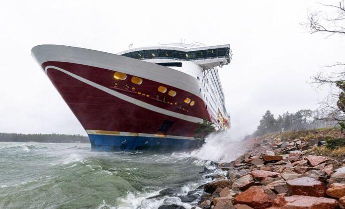 Grace, het cruiseschip van de Finse rederij Viking Line, is vandaag aan de grond gelopen in de buurt van Mariehamn.