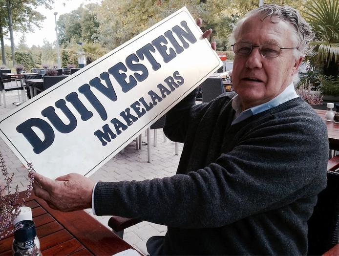 Jan Duijvestein was makelaar in Nederland en bouwde appartementencomplexen in de VS.