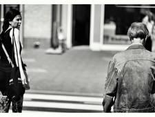 De onzichtbare wereld van blinde kunstenaar uit Eindhoven in beeld