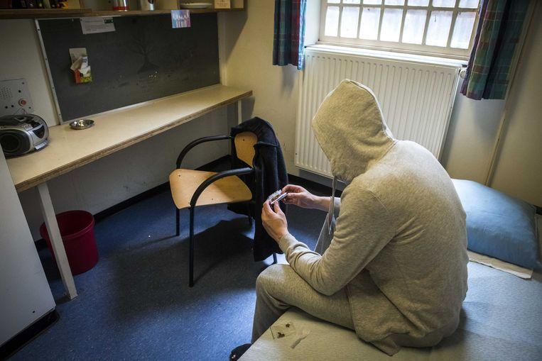 Van de dertien gedetineerden die zich vorig jaar van het leven beroofd hebben, zaten er drie opgesloten in voorarrest, zeven waren veroordeeld en drie geïnterneerd.