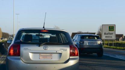 Meer dan anderhalf uur aanschuiven op E40 richting kust na ongeval