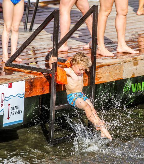 """Giftige blauwalgen in water aan de Brugse jachthaven: """"Voorlopig geen probleem voor zwemzone"""""""