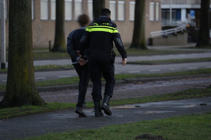De politie heeft maandagochtend een verdachte aangehouden.
