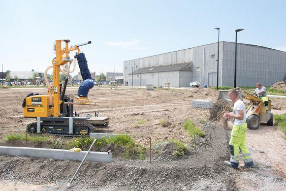 De sportsite wordt vernieuwd. De aanleg van de Finse piste is volop bezig.