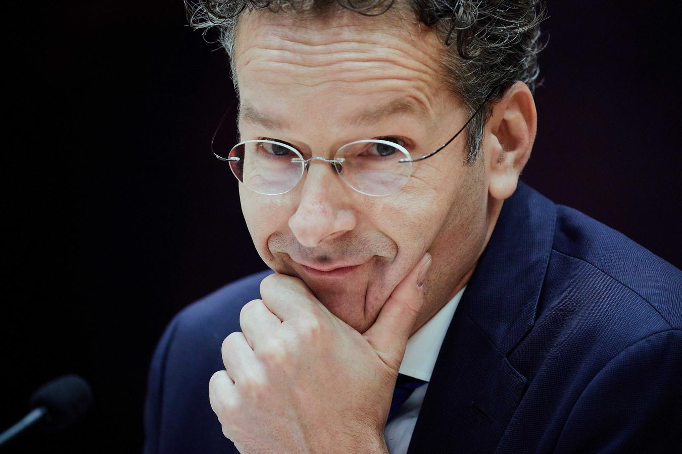 2017-10-11 12:45:14 DEN HAAG - Minister Jeroen Dijsselbloem van Financien in de plenaire zaal van de Tweede Kamer tijdens een vergadering. De PvdA-minister verlaat de Tweede Kamer over twee weken. ANP MARTIJN BEEKMAN