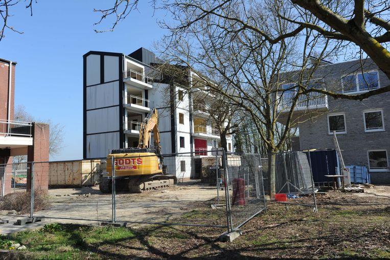 De renovatiewerken in de Houtemse woonwijk zijn volop bezig.