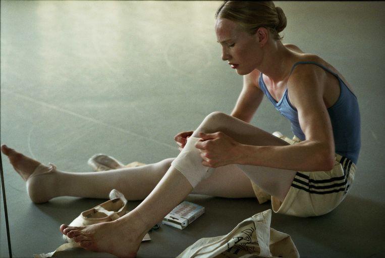 Victor speelt transgender Lara, die een ballerina wil worden.