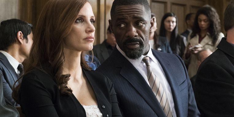 Jessica Chastain en Idris Elba in Molly's Game. Beeld