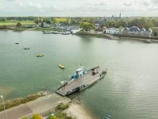 Pontje Schalkwijk-Culemborg blijft varen, al staat het water laag