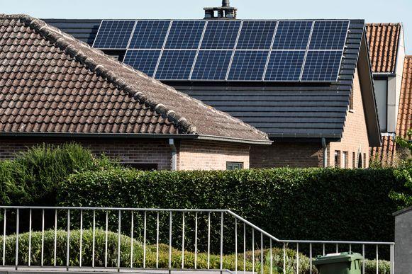 Voor de optimale werking van zonnepanelen mag het ook niet té warm zijn. pict. by Bert Van den Broucke © Photo News