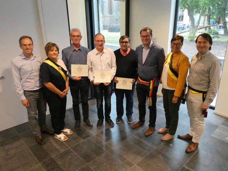 Marc Crombé, Rudy Van Heuverswijn en Luc Vansuyt kregen hun erekenteken van het Zultse gemeentebestuur.