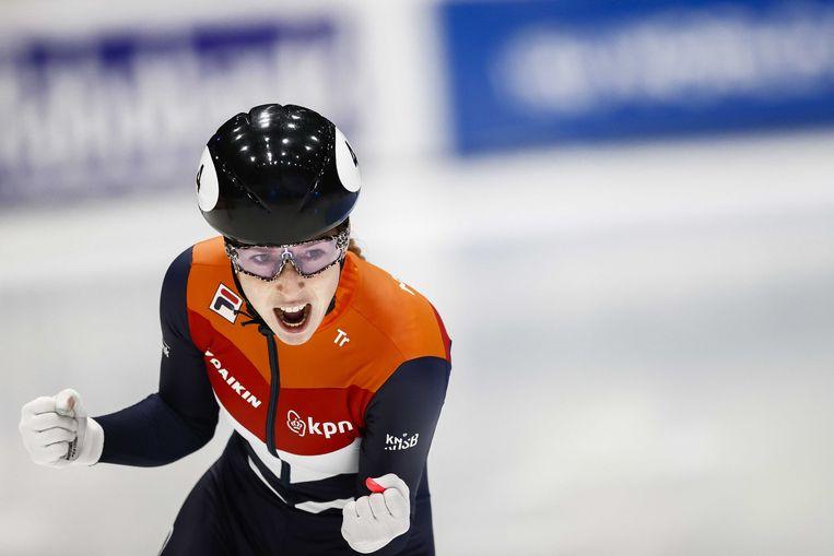Lara van Ruijven na het winnen van de finale op de 500 meter tijdens de ISU World Cup Finale Shorttrack.