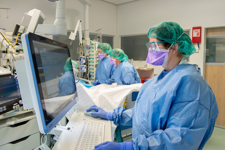 Dokters aan het werk in het Elisabeth TweeSteden Ziekenhuis in Tilburg.