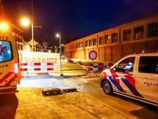 Fietser ziet hekwerk over het hoofd op Vestdijk in Eindhoven, naar ziekenhuis na botsing