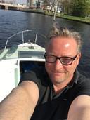 Rik Konijnenbelt, op zijn boot in Haarlem.