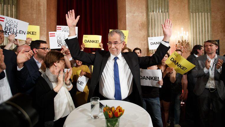 De onafhankelijke kandidaat Alexander van der Bellen werd gesteund door de Groenen. Beeld EPA