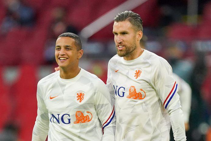 Mohamed Ihattaren koos voor Oranje, maar maakte zijn debuut nog niet. Hij bleef tegen Polen en Italië op de bank.