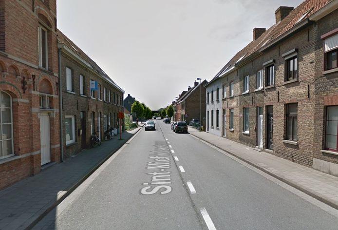 De Sint-Michielsestraat in Oostkamp.