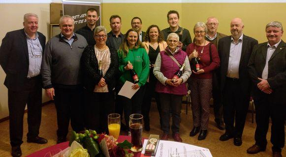 Rode Kruis Halle zette zijn vrijwilligers in de bloemetjes tijdens de nieuwjaarsreceptie.