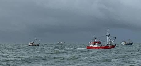 Texels schip zoekt in buurt van gezonken Urker kotter: 'Nog geen spoor van de vissers'