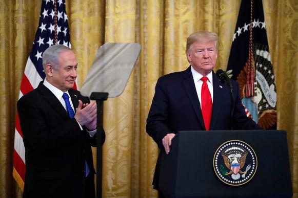 President Donald Trump (rechts), naast Israëlisch premier Benjamin Netanyahu in het Witte Huis vandaag.