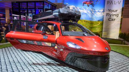 's Werelds eerste vliegende auto voorgesteld op het autosalon van Genève