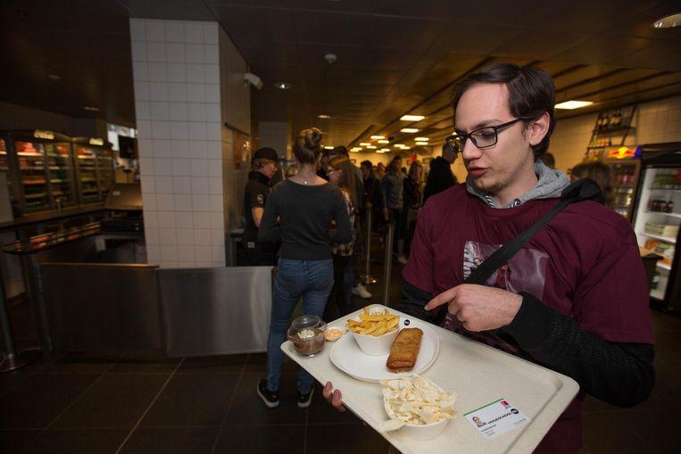"""Tom Claes koos voor onder meer frieten. """"Voor mij mocht het iets meer zijn""""."""