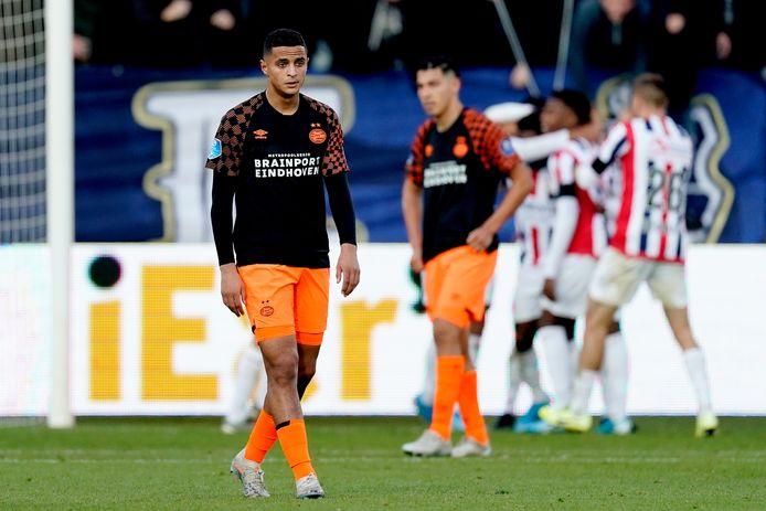 PSV-speler Ihattaren baalt na een tegentreffer.