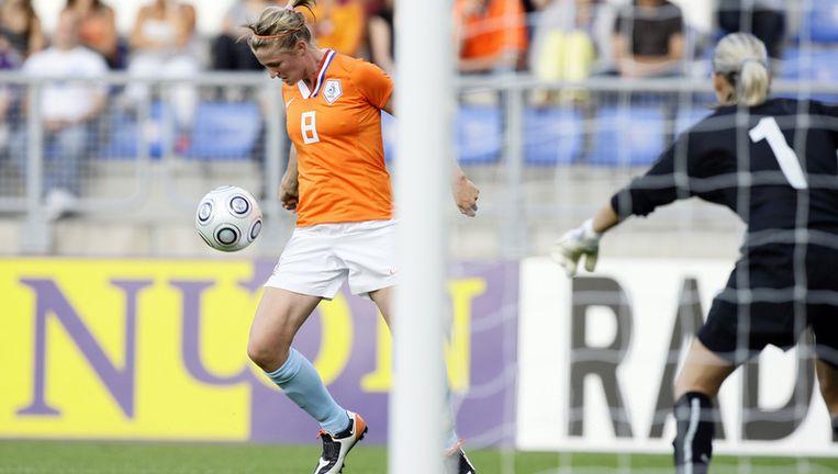 Kirsten van de Ven (archieffoto) en Karin Stevens maakten de doelpunten. Foto ANP Beeld